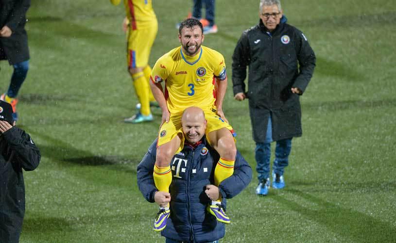 Raţ, anunţ oficial despre revenirea la Dinamo. Ce spune fundaşul despre întoarcerea sub tricolor, de ce l-a refuzat pe Daniel Niculae şi cele trei oferte pe care le are pe masă