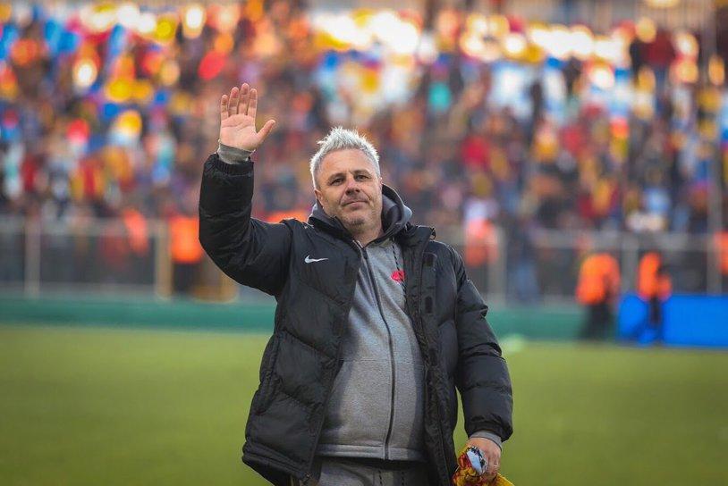 """Şumi nu ar refuza o mutare care părea imposibilă: """"Cu suporterii pe care-i au, cred că aş putea realiza lucruri frumoase în România"""". Pe cine vede cu mâna pe trofeul Ligii 1 şi problema cu care se confruntă la Kayseri"""