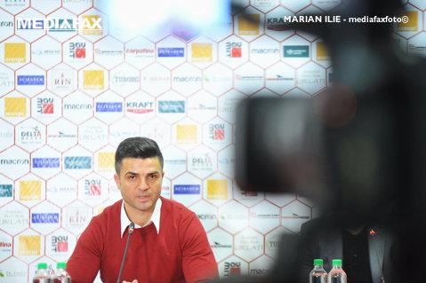 """Bratu a ieşit la atac după declaraţiile făcute de Opria: """"Torje a avut probleme în ultimul timp, trebuie să joace"""". Antrenorul a vorbit şi despre accidentarea lui Hanca"""
