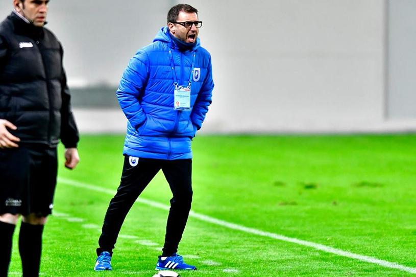 """Mangia, despre meciul cu Astra, play-off, şansele la titlu, noul contract cu Craiova şi terenul de pe """"Ion Oblemenco"""""""