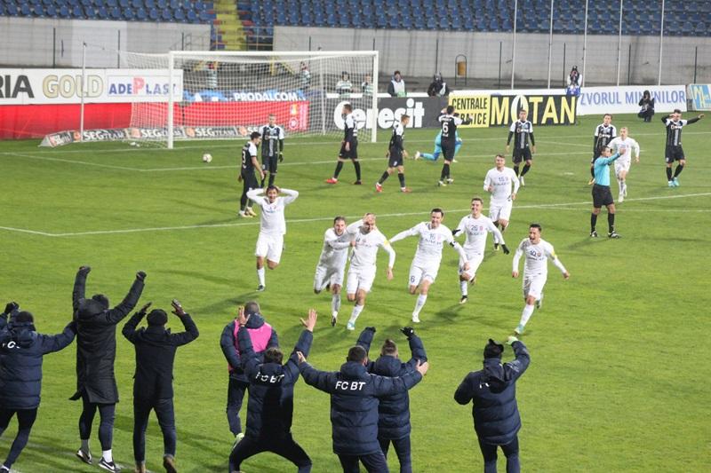 Costel Enache şi-a propus să-i facă pe suporterii echipei FC Botoşani să bea fiecare câte 44 de pahare de vin după meciul cu Juventus