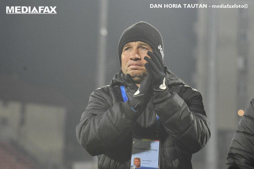 """Dan Petrescu a """"explodat"""" după finalul nebun din CFR - CSM Poli Iaşi: """"Am fost măcelăriţi! Am avut două penalty-uri clare, cât casa!"""". """"Bursucul"""" e OUT din derby-ul cu FCSB"""