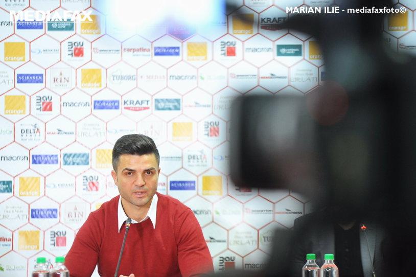 """""""Trebuie să batem pentru Dinamo, pentru a ne câştiga salariile şi pentru a readuce spiritul la echipă"""". Discursul lui Bratu înaintea debutului în Liga 1 ca antrenor şi ce l-a făcut să spună """"intru eu să joc"""""""