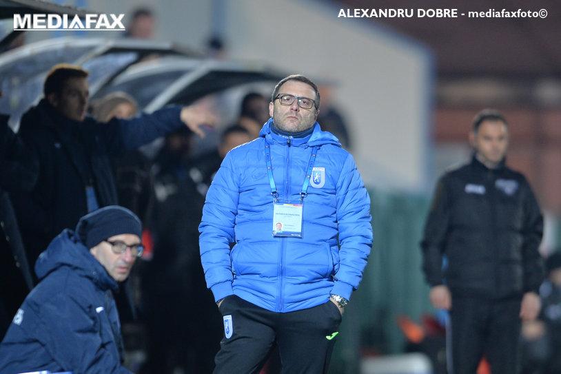 """Mangia menţine suspansul în privinţa lui Gardoş: """"Trebuie să muncească în continuare"""". Cum şi-a motivat italianul decizia de a începe cu Băluţă pe bancă"""