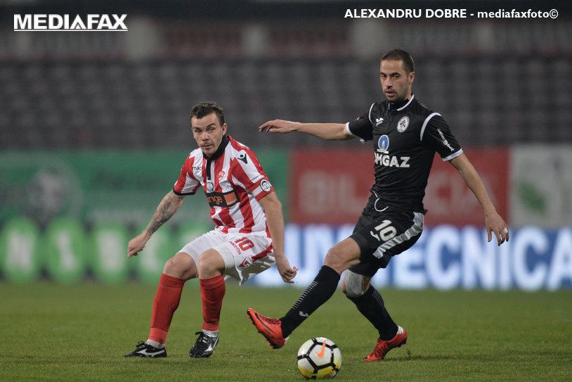 """Dinamo - Gaz Metan 3-0. """"Câinii"""" se impun categoric la debutul lui Bratu în Liga 1. Pesic a rămas consecvent, Popescu şi Moldoveanu au înscris pentru prima dată în tricoul alb-roşu"""