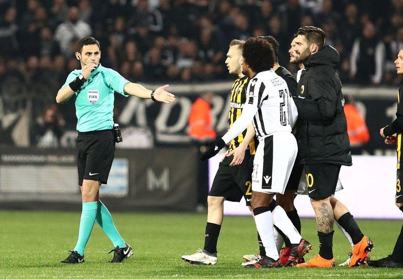 Cristi Scutariu a explicat la ProSport LIVE contextul care a declanşat scandalul din campionatul Greciei, suspendat pe termen nelimitat după incidentele din meciul PAOK - AEK | VIDEO