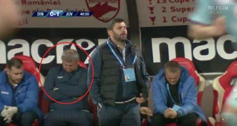 FOTO | Incredibil: Un oficial de pe banca lui Juventus a dormit în timpul meciului cu Dinamo!