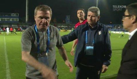 """Moment tensionat la Ovidiu! Mulţescu a ţinut să-l felicite pe Hagi la finalul meciului, dar """"Regele"""" n-a vrut să-l asculte: """"Hai, mă, lasă-mă"""""""