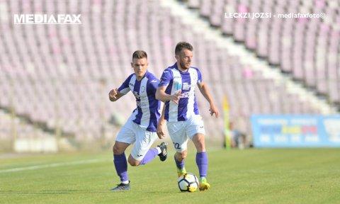 """ACS Poli Timişoara - Gaz Metan Mediaş 0-0. Oaspeţii îşi puteau """"îngropa"""" adversarii în prelungirile partidei, dar Rosado a ratat un penalty"""