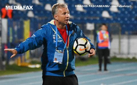 """Dan Petrescu a câştigat titlul în Liga 1, dar Cornel Dinu îl face praf: """"Nu te pricepi la fotbal! Distrugătorul este împărat în ţara proştilor!"""""""