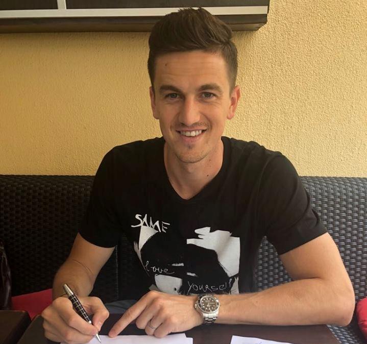 Coşmarul lui Gardoş a luat sfârşit! A semnat cu noua sa echipă un contract valabil pe doi ani. Reacţia fundasului | FOTO