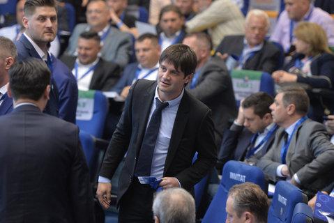 """Chivu l-a ales pe cel mai bun jucător din Liga 1: """"E cu mult peste cei din România!"""" Marele minus al preferatului fostului căpitan al naţionalei: """"De multe ori nu face asta"""""""