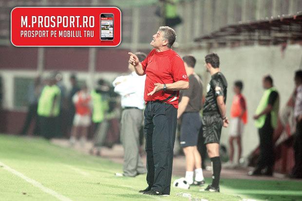 """Fanii """"câinilor"""" îl taxează dur pe Andone: """"Fără el, am veni mai mulţi la stadion"""""""