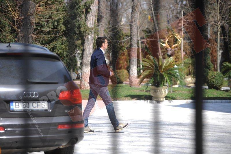 După plecarea lui Ilie Stan, se pregăteşte revenirea lui MM! Fostul manager a venit la Palat