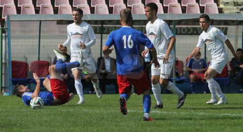 """Antrenorul echipei din Dorohoi a răbufnit după prima victorie din Liga 2: """"Suntem hăcuiţi în deplasare"""". Colban dezvăluie cum un fost membru al CEx a intrat la arbitri la meciul de la Buzău"""