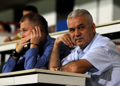 """Jucătorii Fortunei şi-au ales antrenorul. """"Preşedintele ne-a pus să scriem pe bilete pe cine vrem"""". 18 jucători l-au votat pe Edi Iordănescu"""