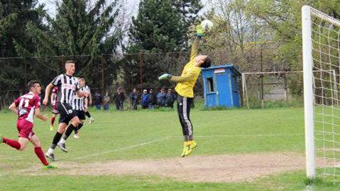 """""""U"""" Cluj ia în cantonamentul din Antalya un tânăr portar din Liga 2. Internaţional de tineret îi face concurenţă lui Veselovsky"""