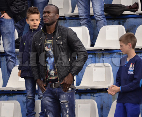 """CSM Râmnicu Vâlcea răspunde după acuzaţiile lui Nkongue: """"Majoritatea jucătorilor consideră că este un privilegiat al clubului, că lui totul i se cuvine"""""""