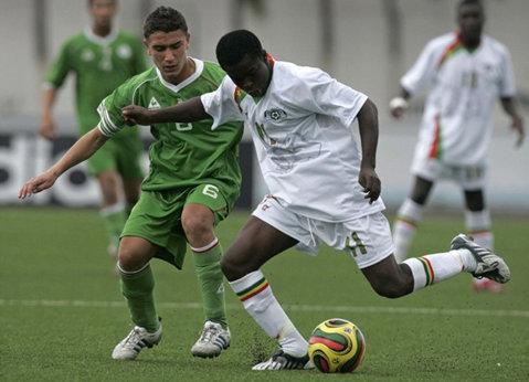 ACS Poli a acontat un jucător din Burkina Faso. Mijlocaşul e aşteptat la Timişoara să semneze transferul