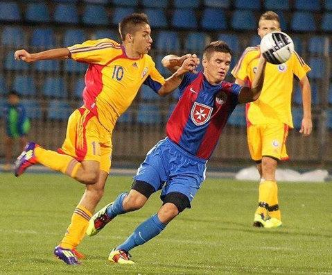 Olimpia vrea un internaţional român pentru unul dintre locurile Under 19. Sătmăreanul de la Wolverhampton întârzie să dea un răspuns