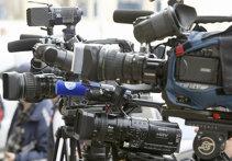 DREPTURI TV | Negocieri dure pentru televizarea Ligii 2. Prima ofertă comună Digi-Dolce - respinsă, cluburile şi federaţia fac altă licitaţie. Se cer 300.000 de euro pentru trei meciuri pe etapă. Cine e nemulţumit