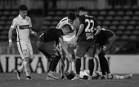 Doliu în fotbalul românesc | Moartea dinamovistului Patrick Ekeng a dus la amânarea meciurilor din Liga 2 şi 3 din acest weekend. Decizia FRF