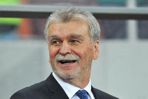 Dinu Gheorghe râde pe sub mustaţă. Reacţia directorului sportiv din Giuleşti după ce Rapid a scăpat de depunctare