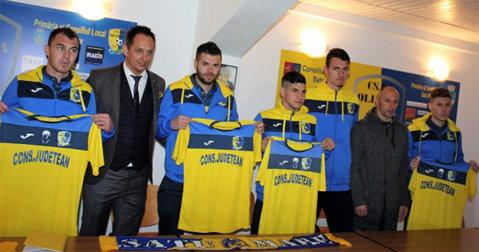 Astăzi este ultima zi de transferuri pentru cluburile din competiţiile organizate de FRF. Jucătorii legitimaţi la AJF după 21 februarie nu au drept de joc în Liga 2 şi 3