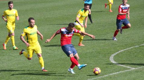 Luptă încinsă în Liga 2 pentru a doua poziţie promovabilă. Cinci cluburi au şanse reale să urce în prima ligă. Vezi programul pe ultimele etape rămase din acest sezon