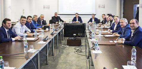 Un singur conducător din Liga 2 s-a înscris pentru a-i lua locul lui Ştefan Stana în Comitetul Executiv al FRF. Marţi se stabileşte programul competiţional al noului sezon