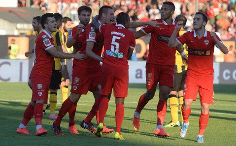 Încă un fost dinamovist merge în Liga 2 şi întăreşte defensiva echipei lui Cornel Ţălnar
