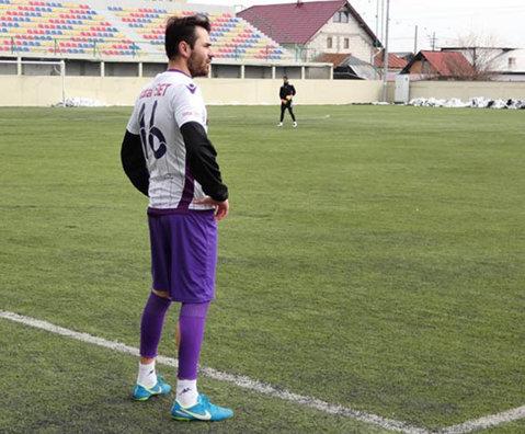 Săndoi a testat un atacant italian în ultimul amical, însă s-a decis repede de calităţile lui. FC Argeş s-a despărţit de încă un jucător