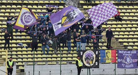 """La Piteşti nu-i ca la Timişoara! Răspunsul conducerii FC Argeş la comunicatul suporterilor despre derby-ul cu CS Mioveni. Va rămâne galeria """"vulturilor"""" în afara stadionului?"""