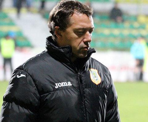 Laurenţiu Roşu, demis de la CS Mioveni chiar înaintea derby-ului cu FC Argeş. Galben-verzii au ajuns la cinci antrenori principali schimbaţi în acest sezon