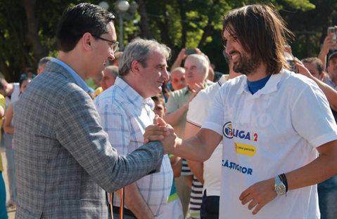 """Cluburile din Liga a 2-a mai pot spera la patru locuri direct promovabile. Burleanu: """"Nu este o problemă, dar trebuie şi LPF să susţină acest proiect"""". Ce spune despre drepturile TV şi Liga 1 cu 16 echipe"""