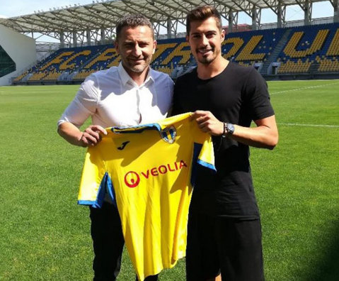 Prima achiziţie a Petrolului pentru Liga 2, un jucător care în iarnă a refuzat-o pentru Baloteşti! Acum a semnat pe doi ani şi visează la promovare