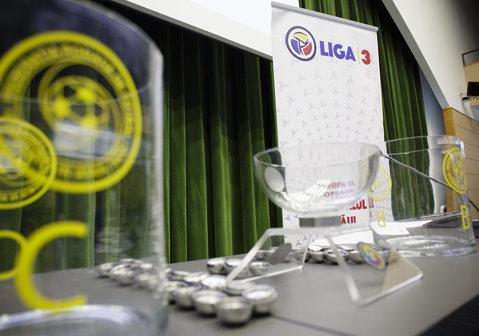 Programul competiţional al noii ediţii a Ligii 3. FRF a reconfigurat cele cinci serii după două retrageri de ultim moment