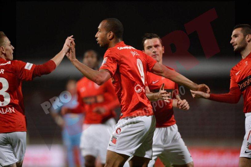 Francezii au darâmat Cetatea Chindiei! Dinamo - Chindia 5-0. Joel Thomas şi Durimel au marcat fiecare câte două goluri