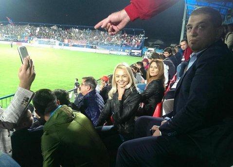 Denisa şi Dan Bitman, prezenţi la meciul Stelei cu ACS Berceni din Cupa României