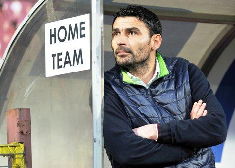 Echipa lui Trică s-a prezentat într-un mod inedit la meciul cu U Cluj: CFR şi-a lăsat autocarul acasă şi a venit cu unul vopsit în alb şi negru