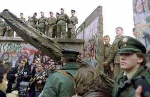 Mediafax ZOOM: Căderea blocului comunist