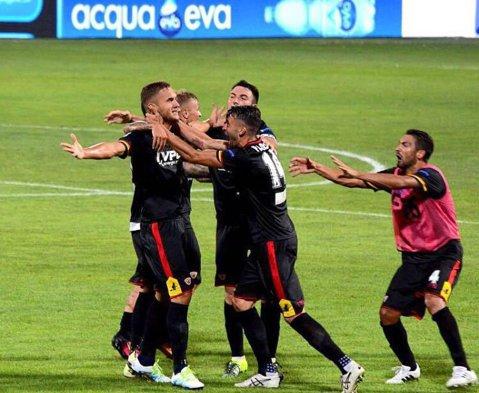 Eficace şi letal. George Puşcaş, debut cu gol la Benevento, în Serie B