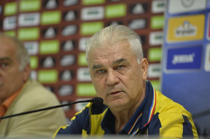 Iordănescu nu a mai gafat, s-a pus pe numărat şi a arătat că e informat. Cum a surprins selecţionerul la conferinţa de presă de dinaintea meciului cu Spania