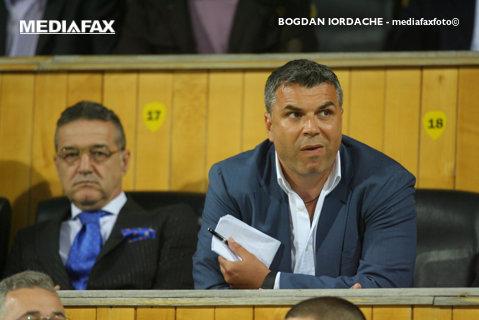 """""""Olăroiu e cea mai bună soluţie, dar Hagi ar trebui pus dacă şi-ar dori! Şi-a riscat averea ca să salveze fotbalul românesc!"""" Gigi Becali, despre viitorul antrenor al naţionalei"""