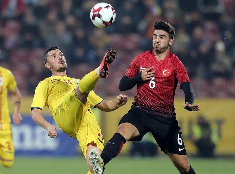 """LIVE BLOG   România - Turcia 2-0. Grozav, MVP-ul partidei din """"Gruia"""". Budescu a ridicat publicul în picioare"""
