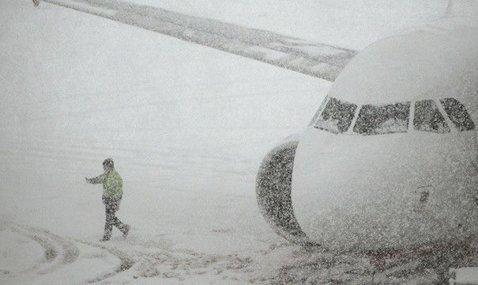 Probleme pentru echipa naţională! Avionul cu care ar fi trebuit să decoleze spre Israel a fost blocat pe aeroportul din Otopeni | UPDATE Avionul României a decolat