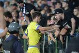 Scene halucinante la Sofia. Steliştii s-au dus la galerie după meci, dar fanii au reacţionat incredibil. FOTO   Gestul lui Gâlcă