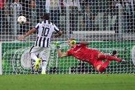 """Tevez, gol în Liga Campionilor, după o secetă de 5 ani. Ultima oară, """"Apaşul"""" înscrisese pentru United"""