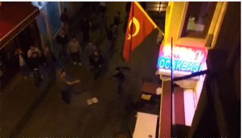 VIDEO | Fanii Borussiei Dortmund, atacaţi în Istanbul înaintea meciului din această seară cu Galatasaray
