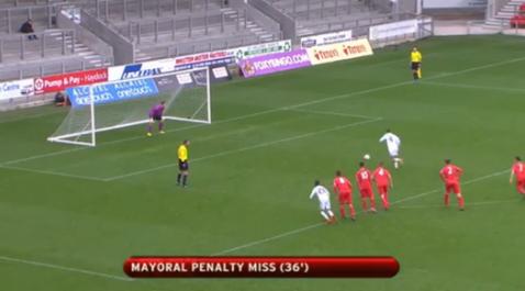 Toţi şi-au adus aminte de Beckham. VIDEO - Real şi-a bătut joc de meciul cu Liverpool, în UEFA Youth League. Au revenit de la 0-2, dar au ratat incredibil un penalty. Cât s-a terminat